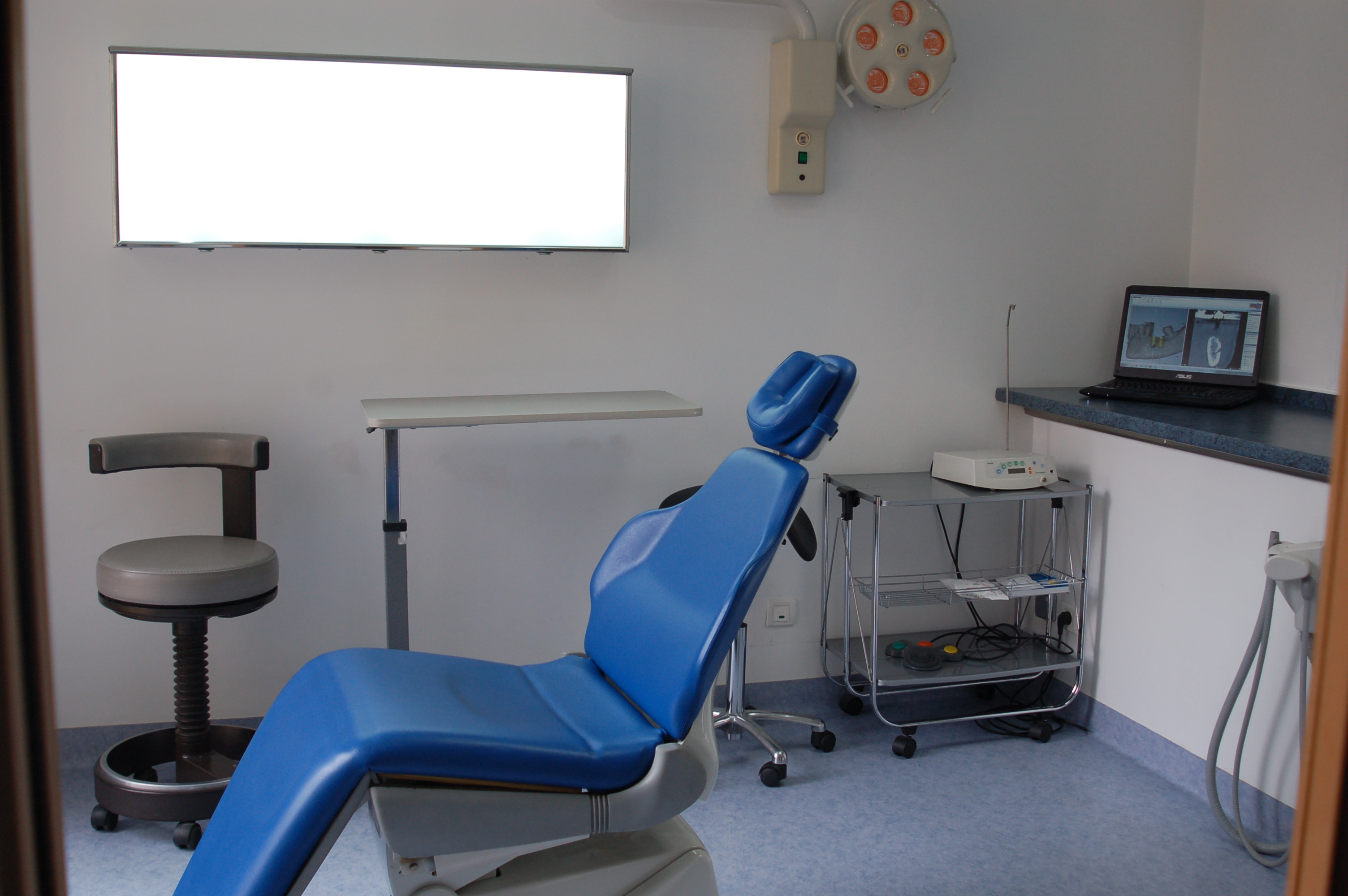 Espace chirurgie implant dentaire